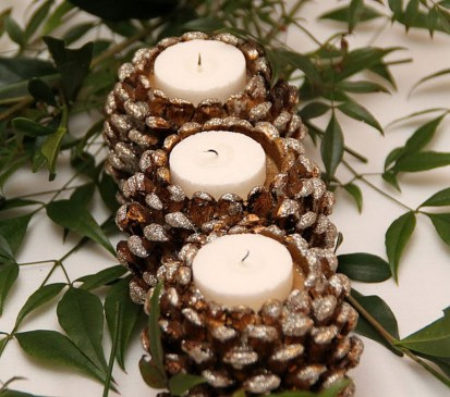 Creative DIY Christmas Candle Holders Ideas To Makes Your Room More Cheerful 60