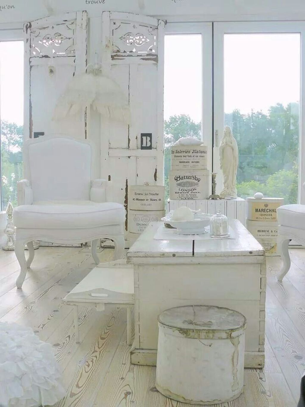 Creative DIY Shabby Chic Decoration Ideas For Your Living Room 46