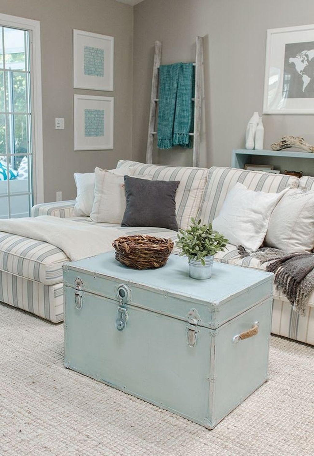 Creative DIY Shabby Chic Decoration Ideas For Your Living Room 52