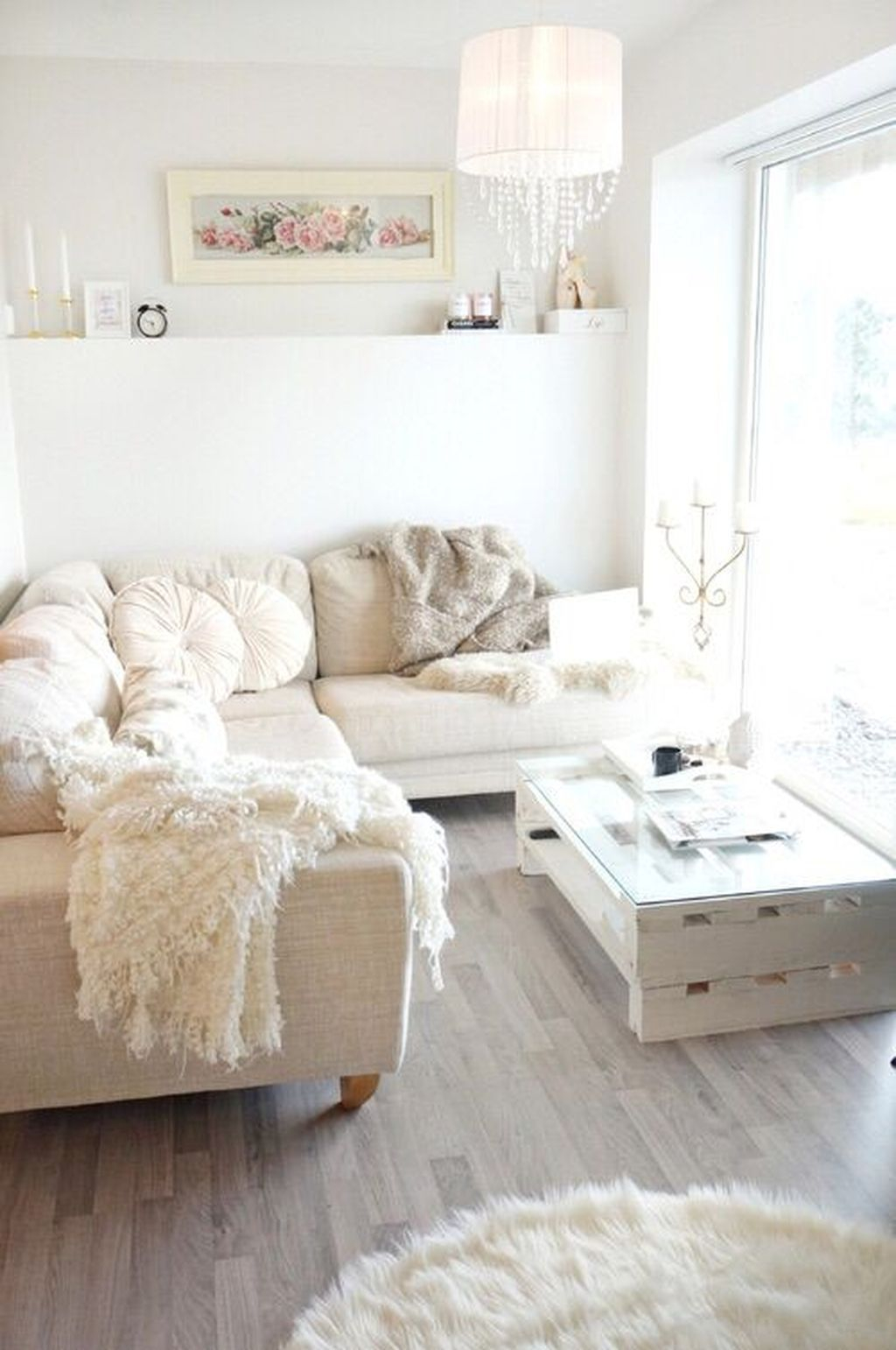 Creative DIY Shabby Chic Decoration Ideas For Your Living Room 53