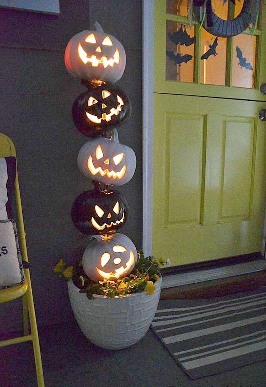 Creepy But Creative DIY Halloween Outdoor Decoration Ideas 15
