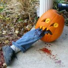 Creepy But Creative DIY Halloween Outdoor Decoration Ideas 20