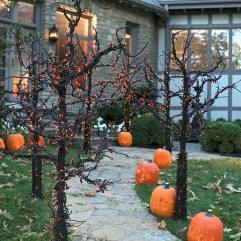 Creepy But Creative DIY Halloween Outdoor Decoration Ideas 23