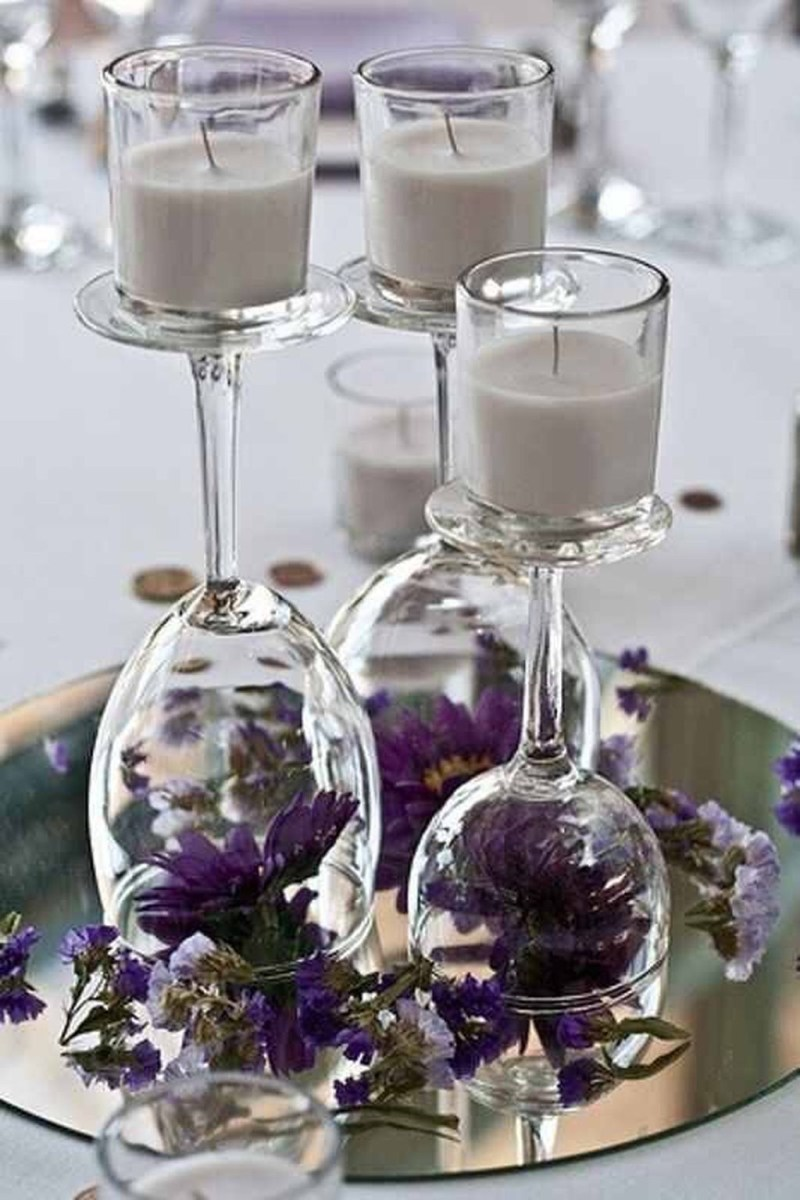 Easy And Simple Christmas Table Centerpieces Ideas For Your Dining Room 17