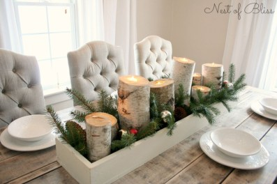 Easy And Simple Christmas Table Centerpieces Ideas For Your Dining Room 28