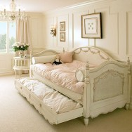 Elegant Teenage Girls Bedroom Decoration Ideas 27
