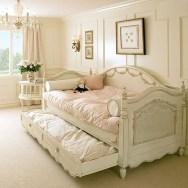 Elegant Teenage Girls Bedroom Decoration Ideas 27
