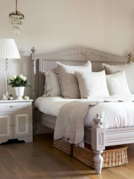 Gorgeous Vintage Master Bedroom Decoration Ideas 16
