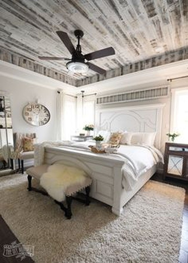Gorgeous Vintage Master Bedroom Decoration Ideas 37