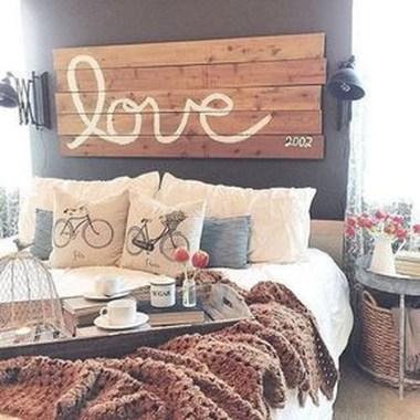 Gorgeous Vintage Master Bedroom Decoration Ideas 39