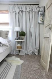Gorgeous Vintage Master Bedroom Decoration Ideas 73