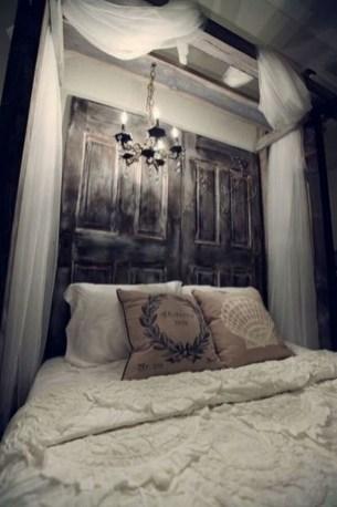 Gorgeous Vintage Master Bedroom Decoration Ideas 97