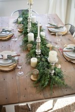 Incredible Rustic Farmhouse Christmas Decoration Ideas 02
