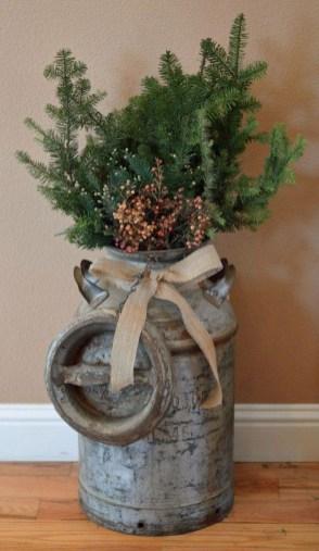 Incredible Rustic Farmhouse Christmas Decoration Ideas 12