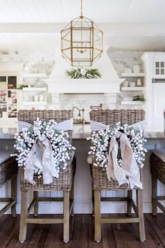 Incredible Rustic Farmhouse Christmas Decoration Ideas 13