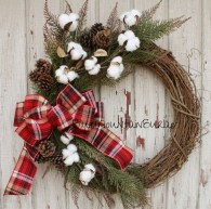 Incredible Rustic Farmhouse Christmas Decoration Ideas 66