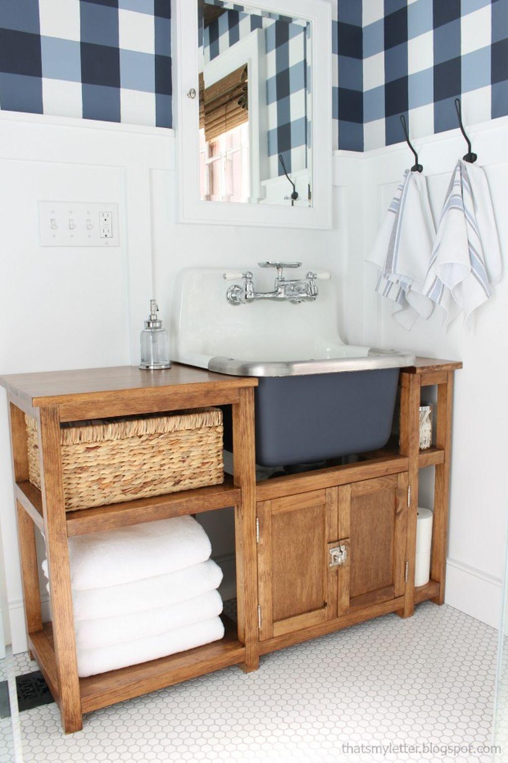Inspiring Rustic Bathroom Vanity Remodel Ideas 19