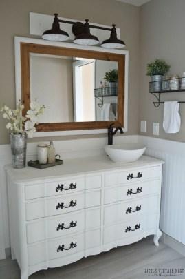 Inspiring Rustic Bathroom Vanity Remodel Ideas 24