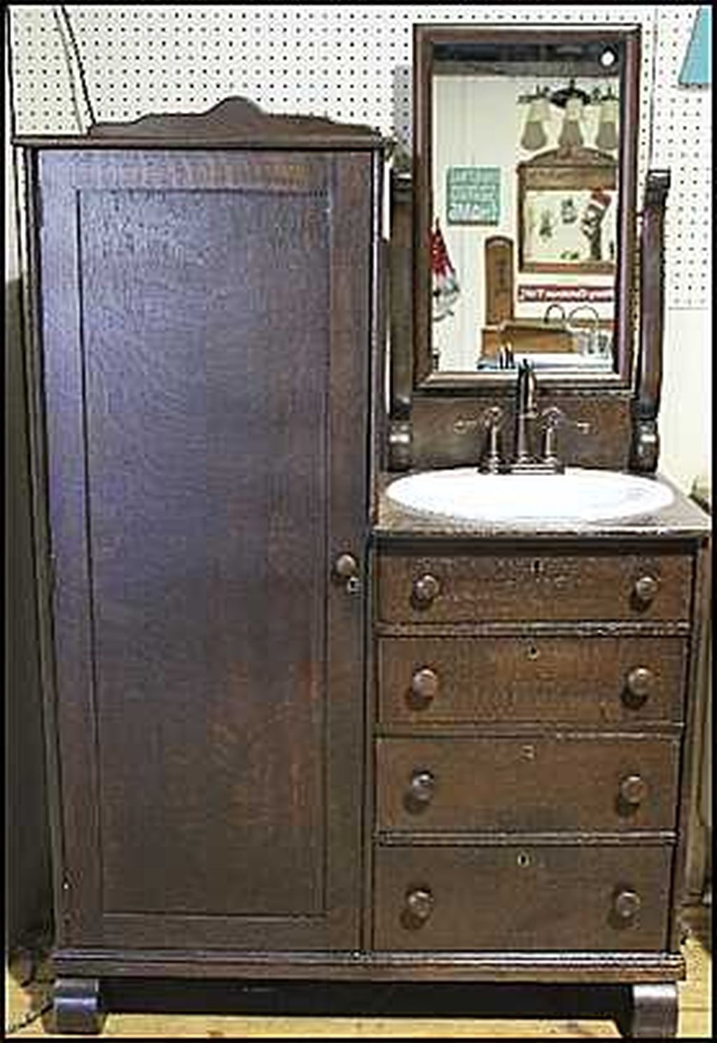 Inspiring Rustic Bathroom Vanity Remodel Ideas 26