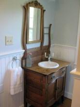 Inspiring Rustic Bathroom Vanity Remodel Ideas 58