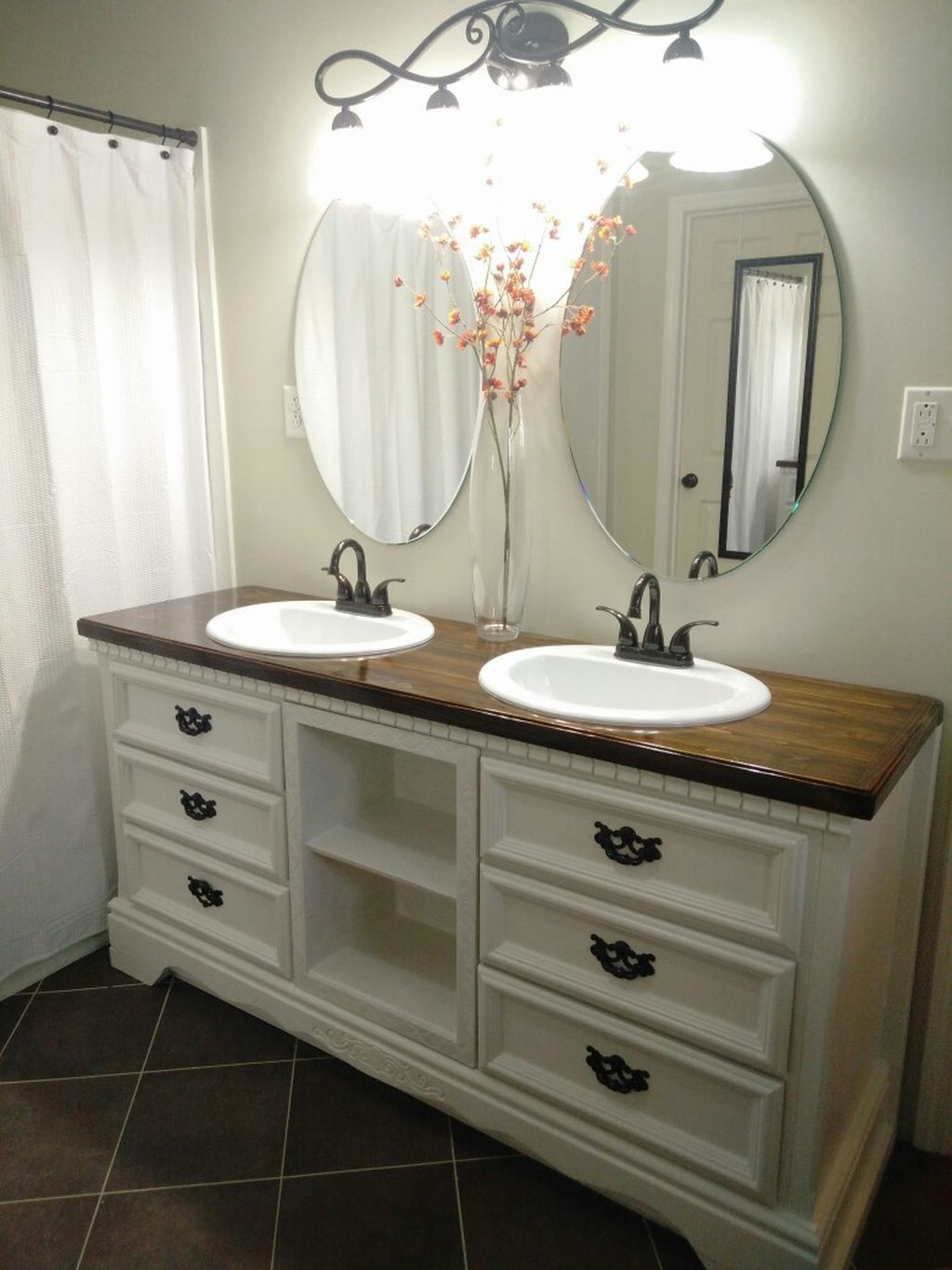 Inspiring Rustic Bathroom Vanity Remodel Ideas 63