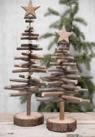 Inspiring Rustic Christmas Tree Decoration Ideas For Cheerful Day 08