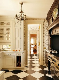 Inspiring Traditional Victorian Kitchen Remodel Ideas 05