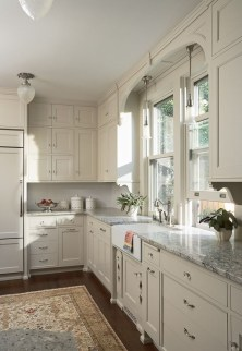 Inspiring Traditional Victorian Kitchen Remodel Ideas 14