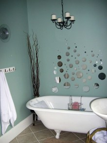 Romantic And Elegant Bathroom Design Ideas With Chandeliers 02