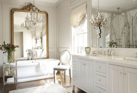 Romantic And Elegant Bathroom Design Ideas With Chandeliers 06