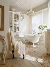 Romantic And Elegant Bathroom Design Ideas With Chandeliers 10