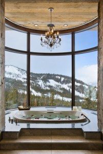 Romantic And Elegant Bathroom Design Ideas With Chandeliers 11