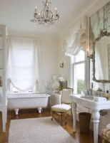 Romantic And Elegant Bathroom Design Ideas With Chandeliers 14