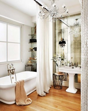 Romantic And Elegant Bathroom Design Ideas With Chandeliers 27