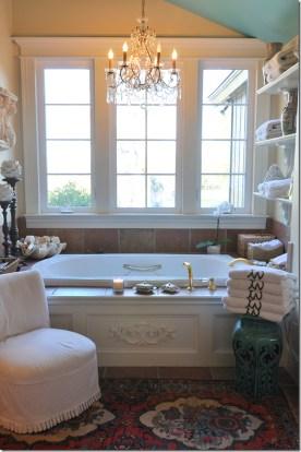 Romantic And Elegant Bathroom Design Ideas With Chandeliers 36