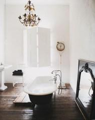 Romantic And Elegant Bathroom Design Ideas With Chandeliers 40