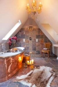 Romantic And Elegant Bathroom Design Ideas With Chandeliers 71