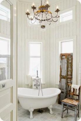 Romantic And Elegant Bathroom Design Ideas With Chandeliers 79