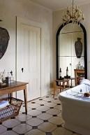 Romantic And Elegant Bathroom Design Ideas With Chandeliers 96