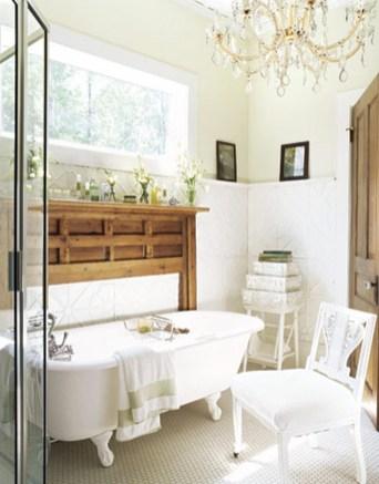 Romantic And Elegant Bathroom Design Ideas With Chandeliers 97