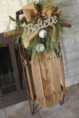 Simple But Beautiful Front Door Christmas Decoration Ideas 15