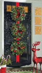Simple But Beautiful Front Door Christmas Decoration Ideas 16