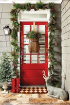 Simple But Beautiful Front Door Christmas Decoration Ideas 36
