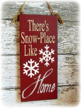 Simple But Beautiful Front Door Christmas Decoration Ideas 58