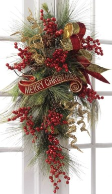 Simple But Beautiful Front Door Christmas Decoration Ideas 96