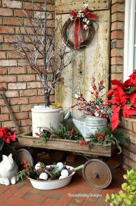 Totally Inspiring Christmas Porch Decoration Ideas 09