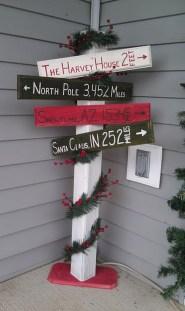 Totally Inspiring Christmas Porch Decoration Ideas 20