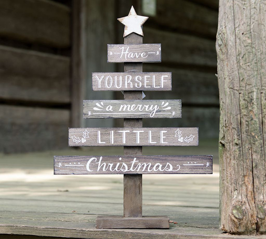 Totally Inspiring Christmas Porch Decoration Ideas 27
