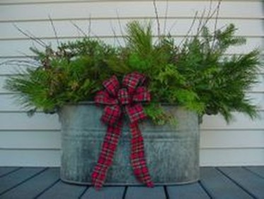 Totally Inspiring Christmas Porch Decoration Ideas 84