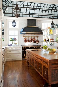 Totally Outstanding Traditional Kitchen Decoration Ideas 117
